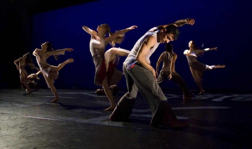 Nai-Ni Chen Dance Company in DRAGONS ON THE WALL